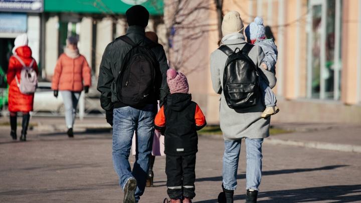 «На родителей есть управа»: медики и омбудсмен — о том, как в Тюмени заставили ВИЧ-диссидентов лечить детей