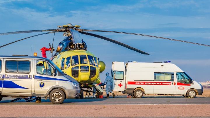Ребенка, выжившего при пожаре в Больших Уках, на вертолете увезли в ожоговый центр