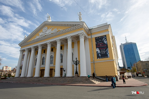 Вокруг оперного театра в последние годы множество скандалов, связанных с ремонтом и строительством