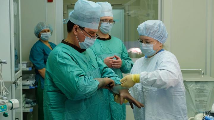 В Екатеринбурге онкологи спасли пациентку с неизлечимой опухолью