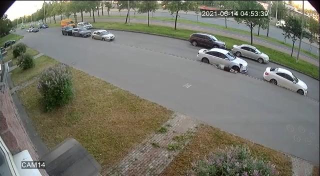 "Скриншот видео из группы <a href=""https://vk.com/wall-68471405_15243900"" class=""io-leave-page _"" target=""_blank"">«ДТП и ЧП   Санкт-Петербург»</a>"