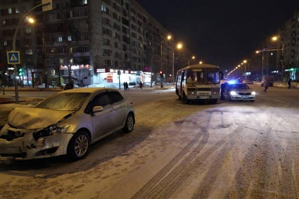 Авария случилась около семи часов вечера