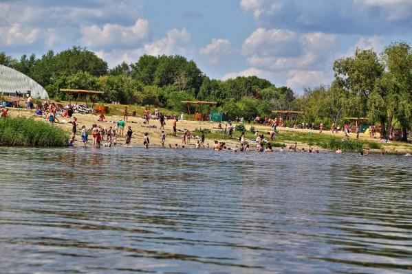 Власти предупреждают зауральцев, что купание в воде, которая не соответствует нормам, может вызвать аллергические реакции
