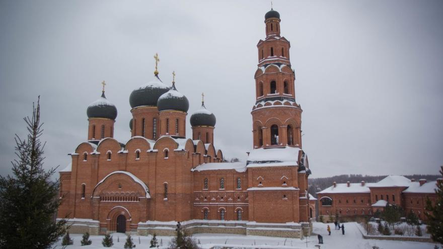 Построенный на руинах: разглядываем фотографии Свято-Георгиевского мужского монастыря