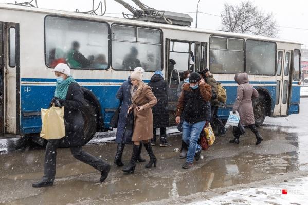 В снежно-грязном Волгограде снегопады задержатся на несколько дней