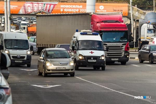 """В Новосибирской области автопарк перевалил за <nobr class=""""_"""">1 миллион</nobr> штук"""