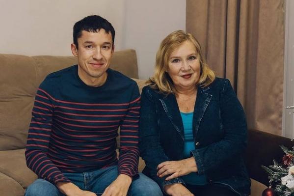 Ильдар Хусаинов со своей мамой