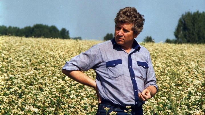 В декабре скончался легендарный Юрий Бугаков. Как он создал хозяйство «Ирмень» с чипами у коров и GPS на комбайнах