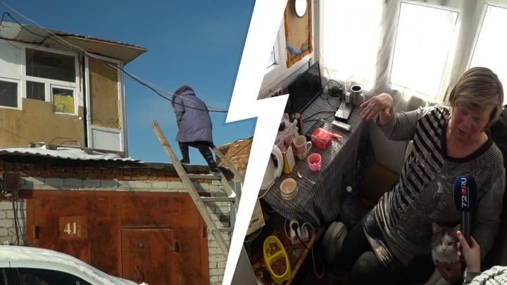 Ни туалета, ни отопления — история тюменки-инвалида, которая живет в пластиковой хижине на гараже