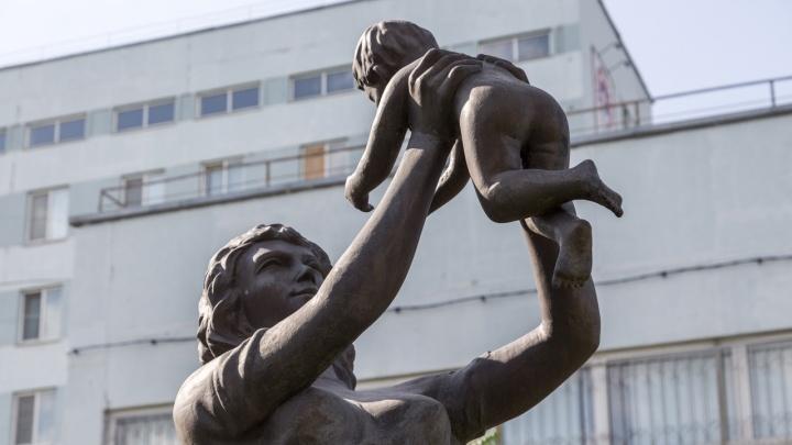 В Волгограде не осталось ни одного ковидного роддома