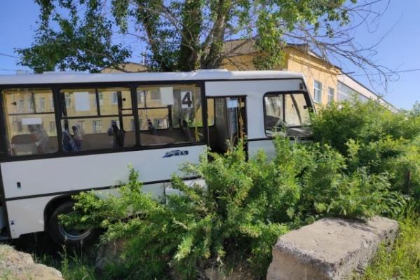 ДТП с автобусом унесло жизни семи человек, еще восемь пострадали