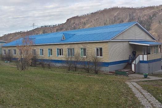 Лагерь находится в черте города, внизу Торгашинского хребта