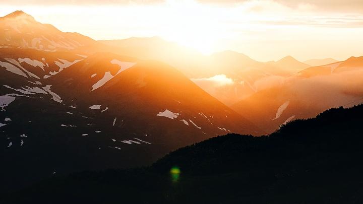 Вулкан как Роковая гора из «Властелина колец»: новосибирец сделал впечатляющие снимки далекой Камчатки