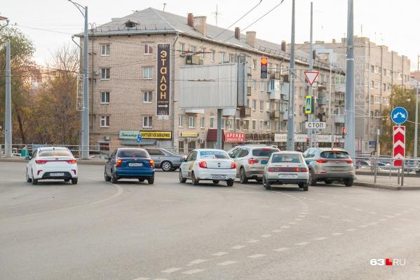 Дома на пересечении улиц защитят от шума дороги