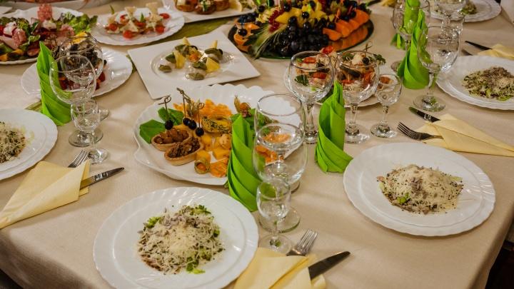 В Прикамье будут пускать на мероприятия по QR-кодам. Как быть с корпоративами и бизнес-завтраками?