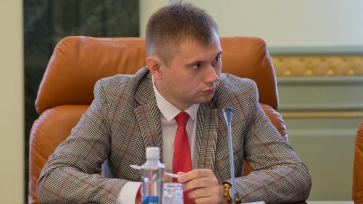 Замминистра экологии Челябинской области, подозреваемого в превышении полномочий, отпустили домой