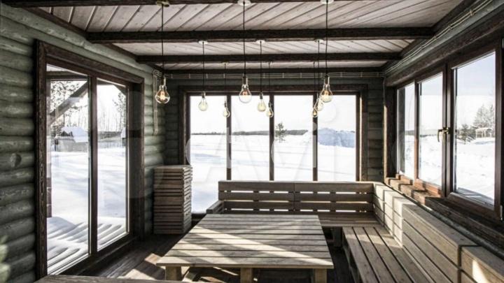 В ХМАО продают загородный особняк за 50 млн рублей. Рассматриваем, что внутри