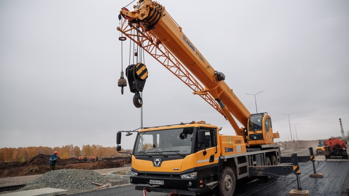 Машинист крана получил условный срок за смерть двух рабочих в Кузбассе