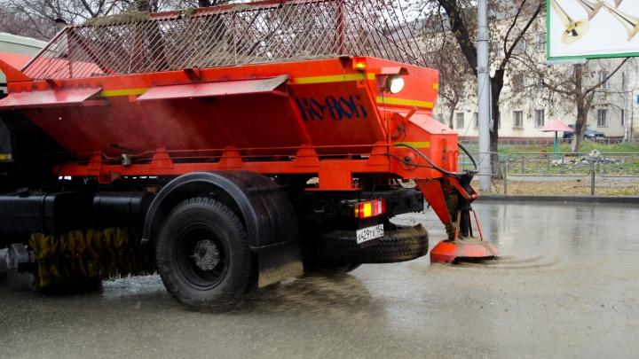 Мэрия потратит 55 млн рублей на покупку погрузчиков для уборки новосибирских дорог