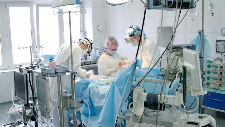 Новосибирские врачи спасли жительницу Кургана с сердечной аномалией