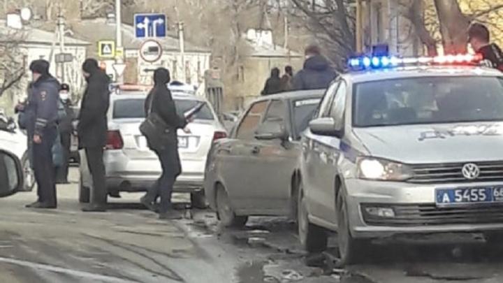 «Выбежала из-за стоящего транспорта»: в ГИБДД рассказали подробности ДТП на Саввы Белых, где погиб пешеход
