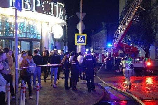 В центре Ростова загорелся дом в историческом квартале