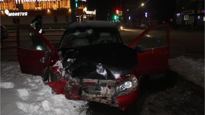 В Кургане молодой водитель устроил ДТП и скрылся с места происшествия