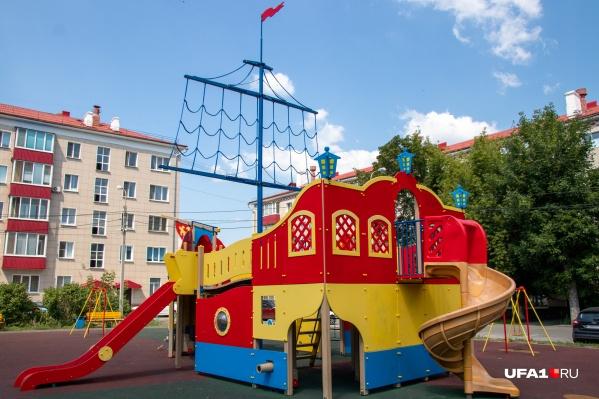 Оригинальная площадка для игр — предмет мечтаний многих детей