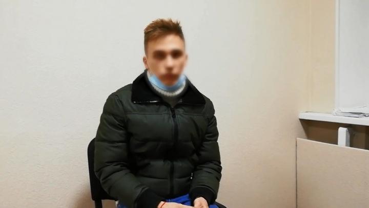«Хотел снять новый тренд»: задержанный за танцы на Мамаевом кургане тиктокер пришел в полицию с иконой