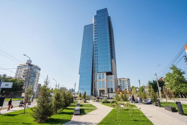 Общедоступный сквер на площади Кондратюка был одним из условий строительства нового дома