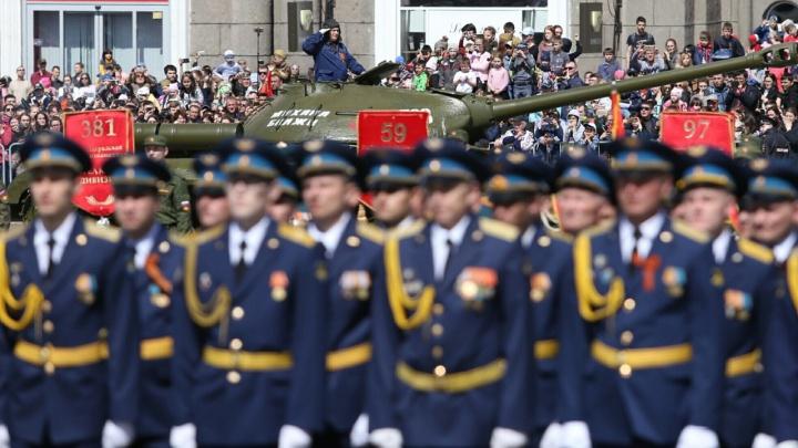 1700 военных и силовиков примут участие в челябинском параде 9Мая. Публикуем график репетиций
