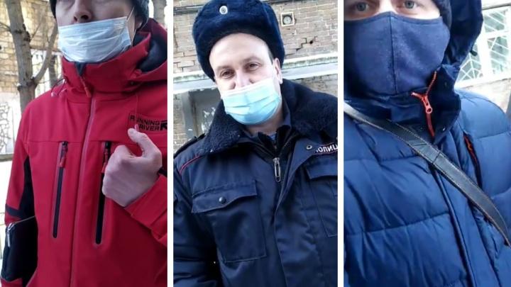 Суд оправдал красноярца, пойманного полицией за выход из дома в день митинга