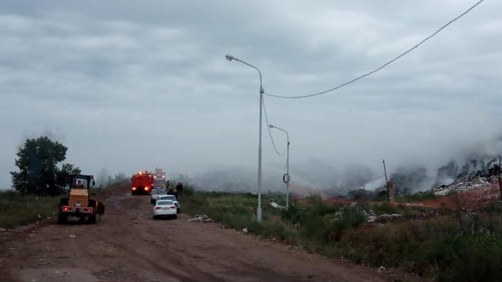 Под Уфой снова горел крупный мусорный полигон