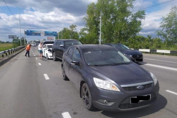 Участниками ДТП стали 4 автомобиля