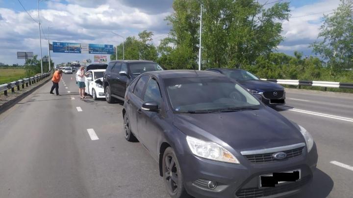 На шоссе Тюнина в Кургане произошла массовая авария