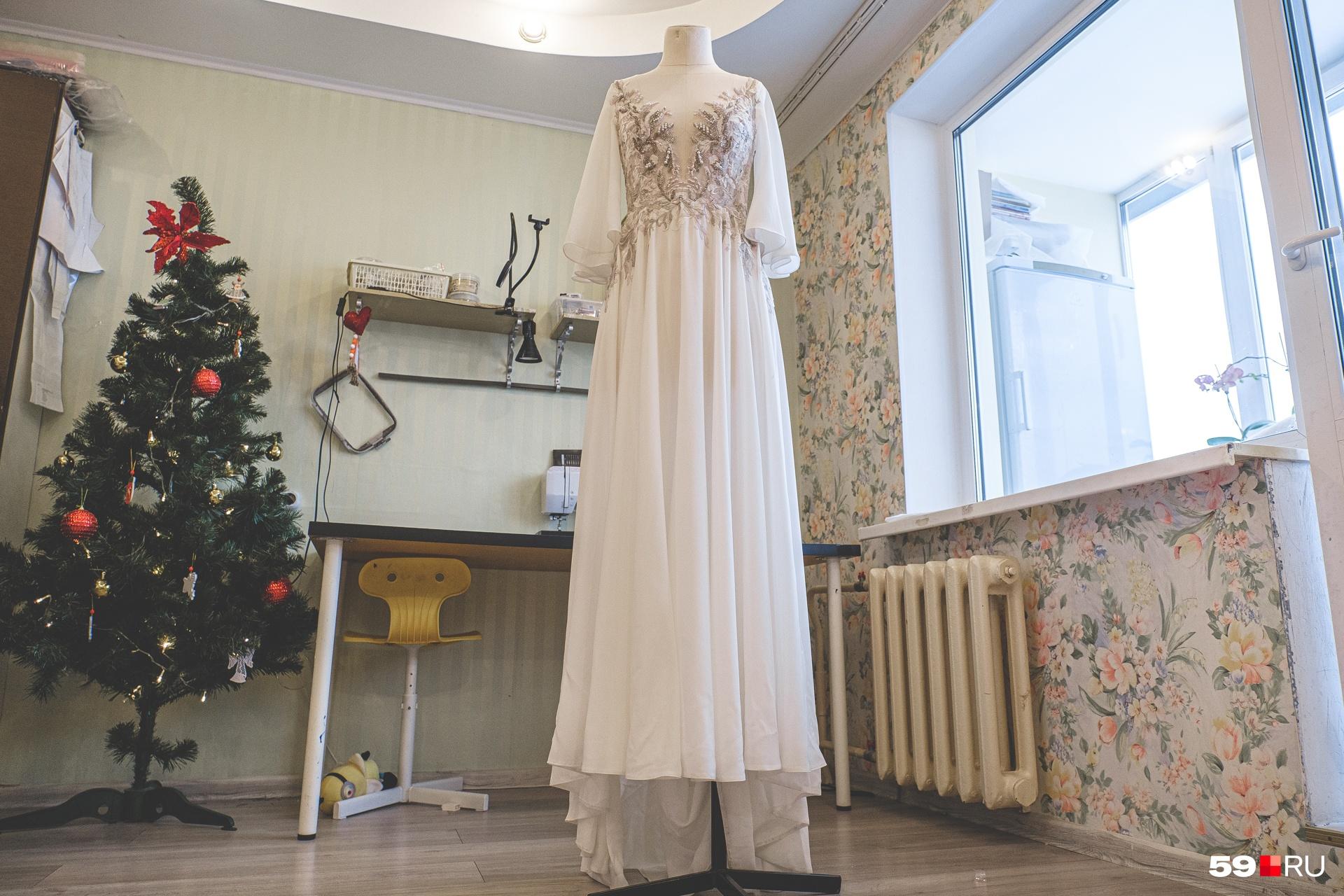 У Танзили заказывают платья из разных городов России
