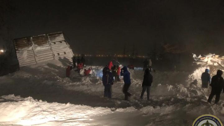 «Замирали все и слушали»: рассказ очевидицы трагедии на горе в Норильске о спасательной операции