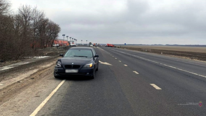 Выбил страйк: на трассе в Волгоградской области водитель BMW устроил массовую аварию с пострадавшими