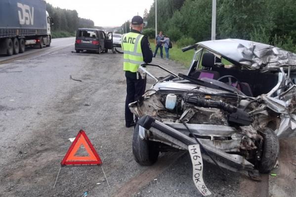 Женщину-водителя «четверки» с места ДТП увезли в реанимацию