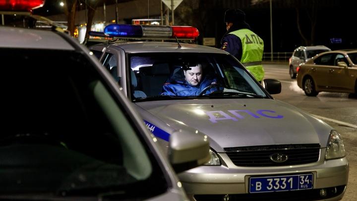 Под Волгоградом два автомобиля вылетели в кювет. Пять человек пострадали, в том числе дети