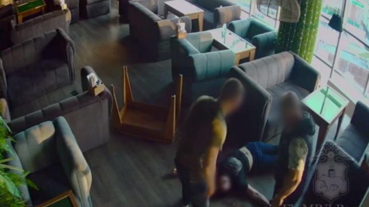 «Отец приехал с травматическим пистолетом»: в пермском кафе произошла перестрелка