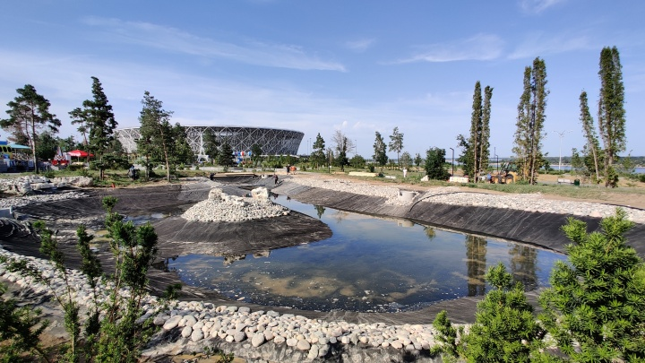 Здесь поселятся русалки и единороги: в ЦПКиО Волгограда заливают пруд и строят спрей-зону для детей