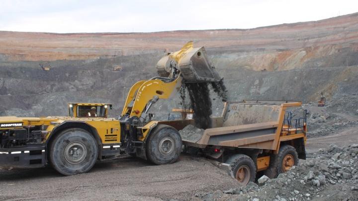 На руднике в Башкирии произошел обвал: под завалами остался один человек