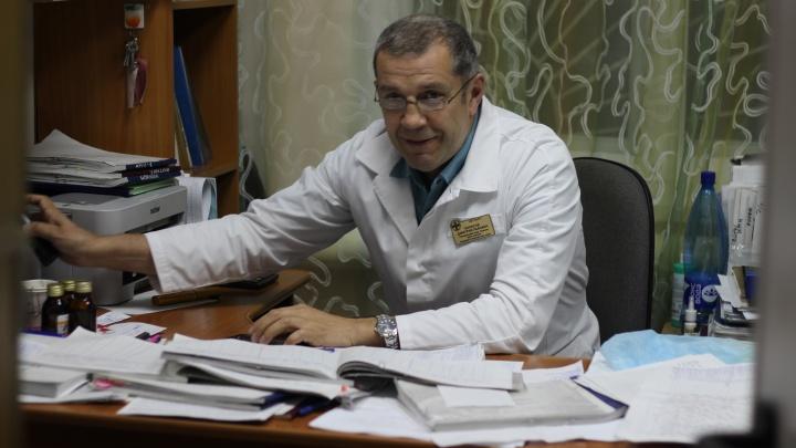 В Челябинске умер заведующий операционным блоком хирургии, работавший в «красной» зоне