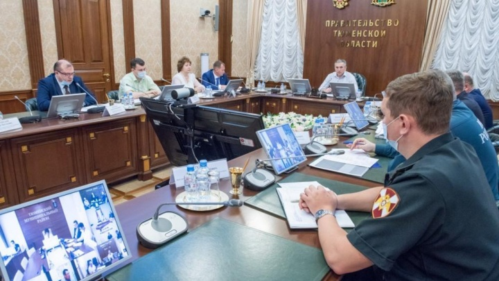 «Постоянно приходится кого-то выдворять»: губернатор велел перекрыть въезды в тюменские леса