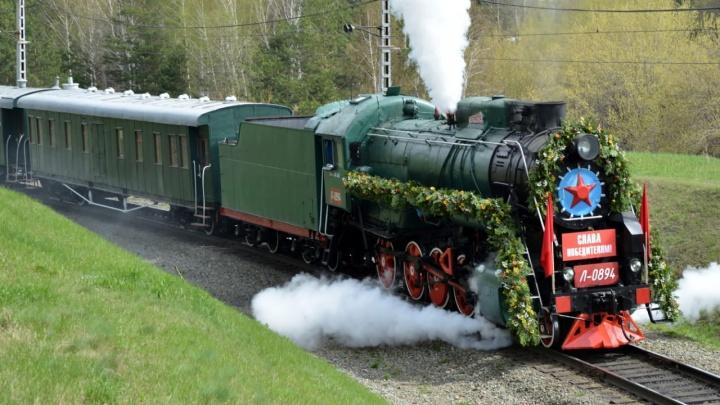Увозили боеприпасы, привозили детей: какие истории о поездах «ожили» в Музее омских железнодорожников