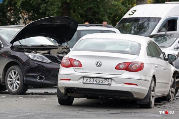 После аварии многие обратили внимание на «блатные» номера Volkswagen
