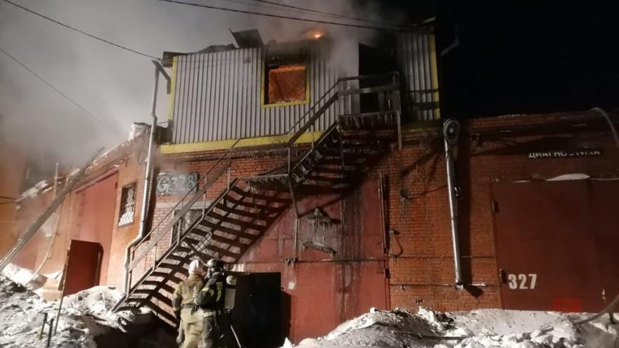 Ночью на улице Почтовый Лог выгорел гараж— погибли четыре человека
