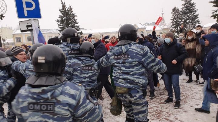 «Ударил в лицо»: на ярославца завели уголовное дело из-за нападения на полицейского