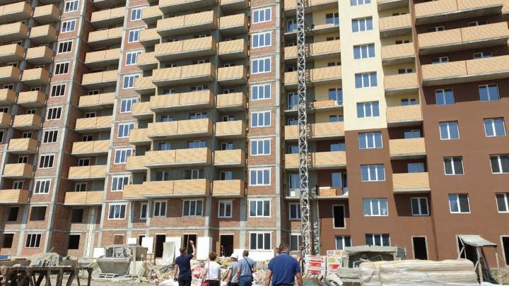 «Терпение у людей кончилось»: новосибирцы рассказали, как сумели возобновить строительство долгостроя